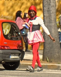 Karen McCann, Seville, Christmas, street vendor in drag